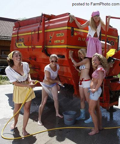 SEXY GIRLS ON TRACTORS – Group 7 | Sexy Tractor Girls