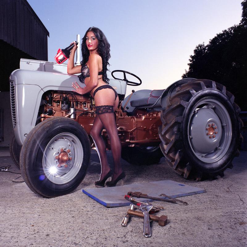 sexy-nude-tractor-girls-pics-nude-women-vibrator-gif